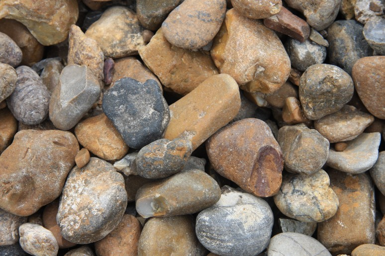 3 6 inch river rock phelps lawn gardenphelps lawn garden for Landscape rock yard calculator